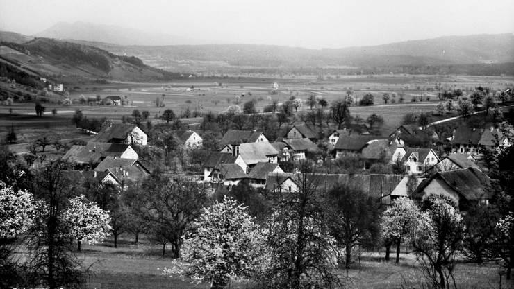 Fotos wie diese sollen digitalisiert werden und am Dorffest ausgestellt werden.