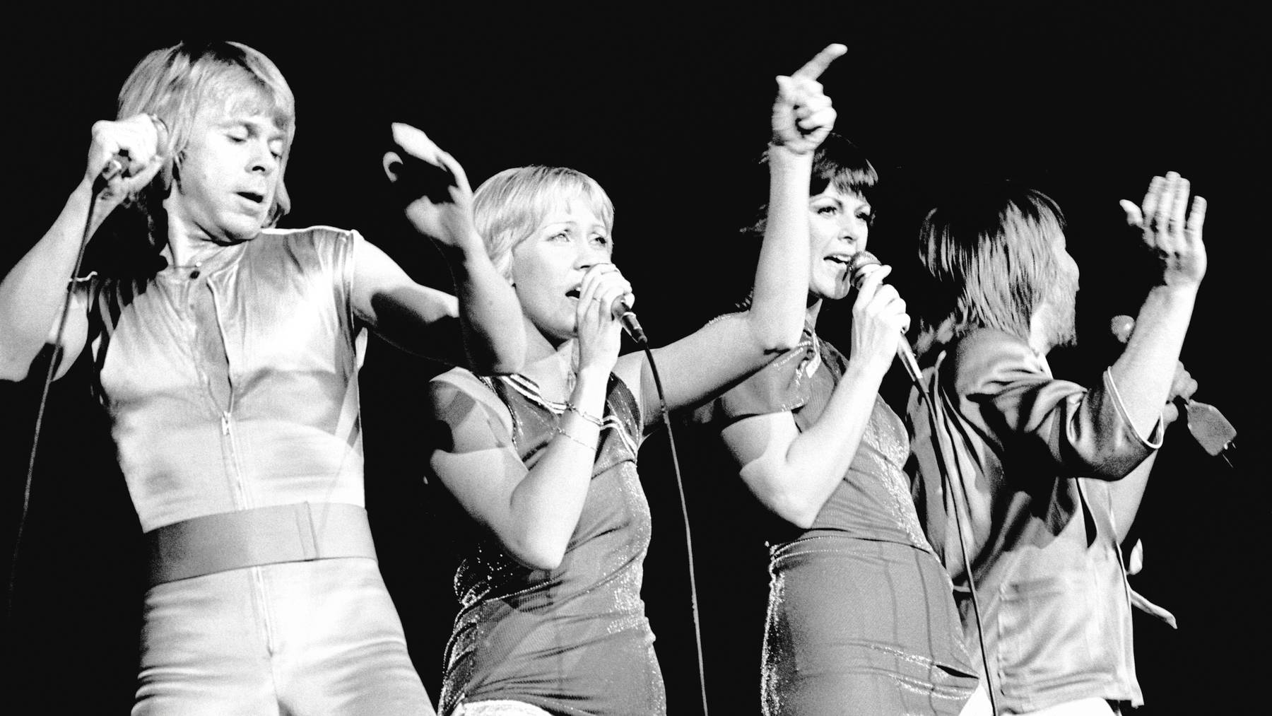 Bjorn Ulvaeus, Agnetha Faltskog, Anni-Frid Lyngstad and Benny Andersson of ABBA perform on stage at the Wembley Arena, London, England, on November 5th, 1979.