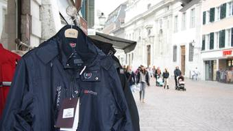 Die rumänischen Kriminaltouristen liessen Jacken mitgehen. (Symbolbild)