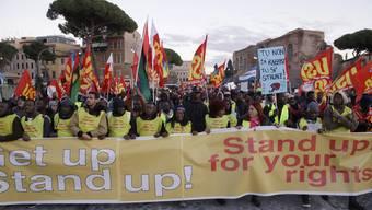 Demonstration in Rom für Flüchtlinge
