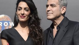 Man sieht George Clooney den Besitzerstolz an (Archiv)