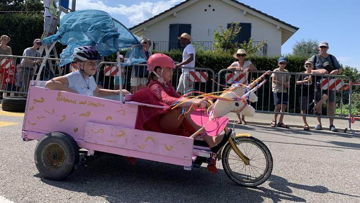 Beim Seifenkistenrennen in Dornach steht die Sicherheit der Kleinen im Vordergrund.