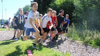 Die Oberstufenschüler der Kreisschule Mutschellen kämpften als Team bei verschiedenen Posten um den Titel. Timea Hunkeler