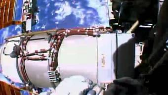 """Bild der Astronauten beim """"Spacewalk"""" (Bild: NASA)"""