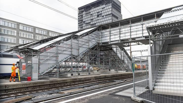 Das Bundesamt für Verkehr (BAV) hat zusammen mit den Bahnen und dem Behinderten-Dachverband das weitere Vorgehen zur Umsetzung des Behindertengleichstellungsgesetzes (BehiG) an den Bahnhöfen und Eisenbahn-Haltestellen festgelegt und konkretisiert.