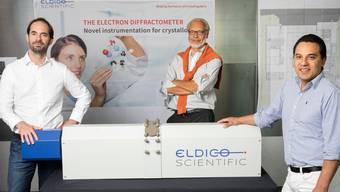 Eldico-Gründer Gebhardt, Hovestreydt und Santiso-Quinones (von links) posieren stolz mit ihrer Erfindung.