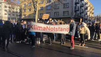 Nach einer Reihe von Demonstrationen befasst sich nun auch der Zürcher Kantonsrat mit dem Thema Klimanotstand.