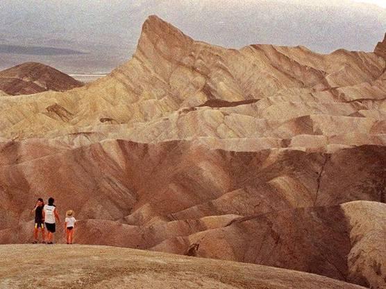 Das Death Valley ist der heisseste Ort der Welt. Im Bild sind Touristen zu sehen. (Archiv)
