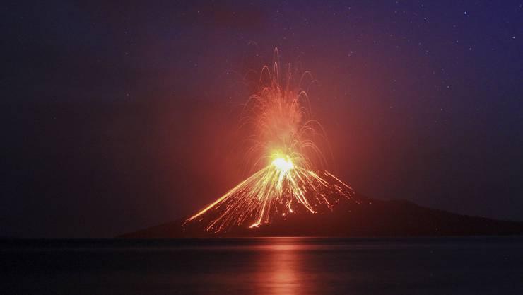 Der Ausbruch hatte einen Unterwasser-Erdrutsch zur Folge.