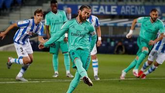 Sergio Ramos verwandelt den Foulpenalty souverän