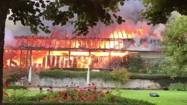 Hier brennt die Scheune des Hirzenberg-Hofs in Zofingen (31.08.2017)