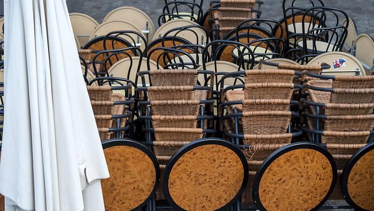 Der Oberrheinrat lobt die Verschärfung der Corona-Schutzmassnahmen in Basel-Stadt, wie die Schliessung der Restaurants, als vorbildlich.