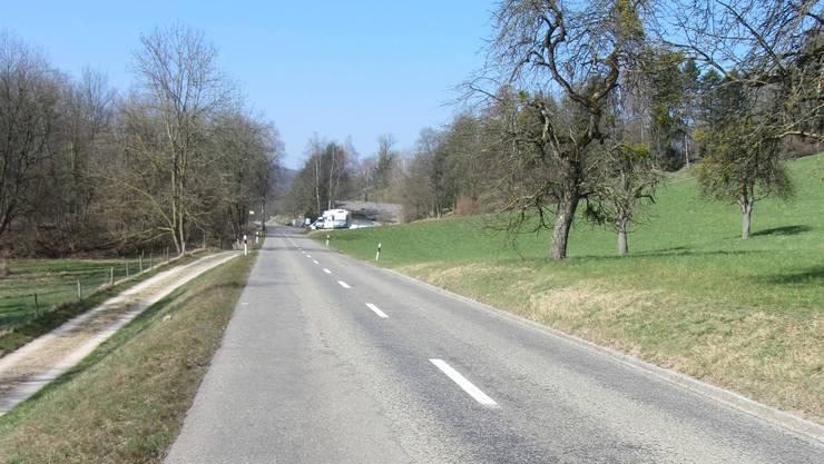Die Strasse zwischen Zeiningen und Zuzgen wird saniert.