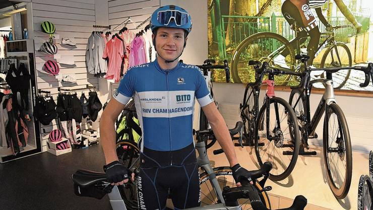 Der 16-jährige Miro Schmid absolviert neben seinen vielen Trainings die Lehre zum Fahrradmechaniker.