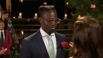 Willie bekommt eine der letzten Rosen von Andrina.