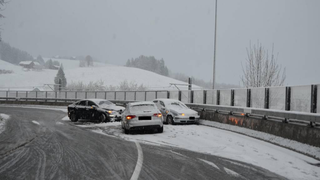 In Waldstatt kam es zu einem Unfall mit vier Fahrzeugen