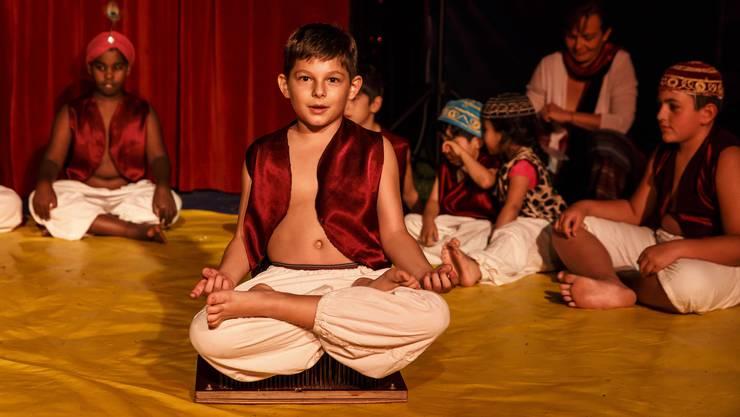 Das 50-jährige-Jubiläum des Schulhaus Blumenfeld wird mit einer Zirkusvorstellung gefeiert.
