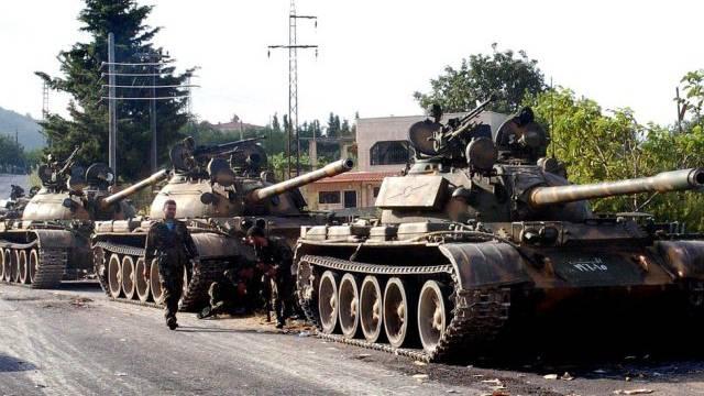 Syrische Panzer in der Provinz Latakia (Archiv)