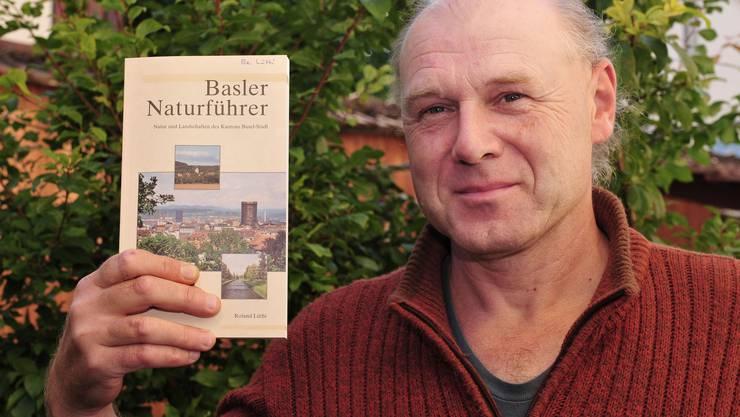 Der Autor und Naturforscher Roland Lüthi hat mit dem Basler Naturführer ein informatives Werk vorgelegt.