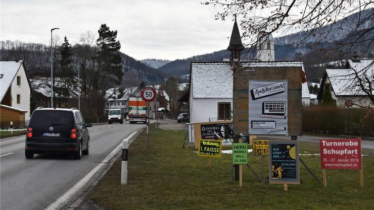 Die Gemeinde Herznach möchte in Zukunft nur noch temporäre Werbetafeln und Reklamen von einheimischen Vereinen und Organisationen dulden.