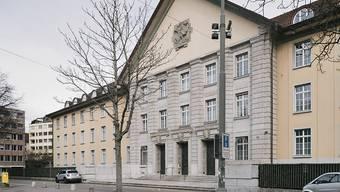 Mehr als sechs Jahre nach seiner Verhaftung stand ein früherer Sittenpolizist der Stadtpolizei am Dienstag vor dem Bezirksgericht Zürich. (Symbolbild)