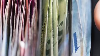 «Angesichts der Diskussion um die Sanierung der AHV lässt sich in guten Treuen darüber streiten, ob es nicht angebracht wäre, einen Teil der jährlich in Cash anfallenden Bareinnahmen der AHV zukommen zu lassen», schreibt Markus Gisler.