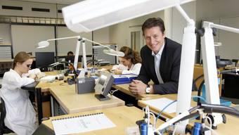 Eterna-CEO Patrick Kury präsentiert die Manufaktur in Grenchen.