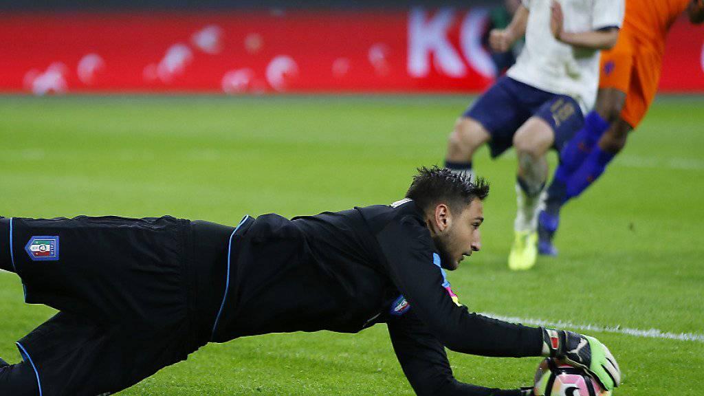 Der erst 18-jährige Gianluigi Donnarumma von der AC Milan trumpfte in seinem ersten Länderspiel von Beginn an für Italien gross auf