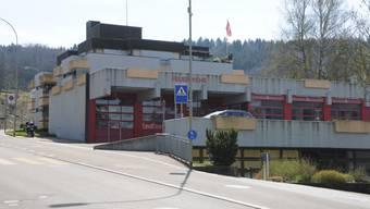 Feuerwehrdepot Schlieren mit Buelhof