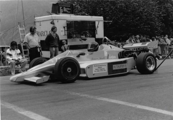Romeo Nüssli mit dem Martini MK 37 am Start des Bergrennens Vuiteboeuf 1986.  zvg