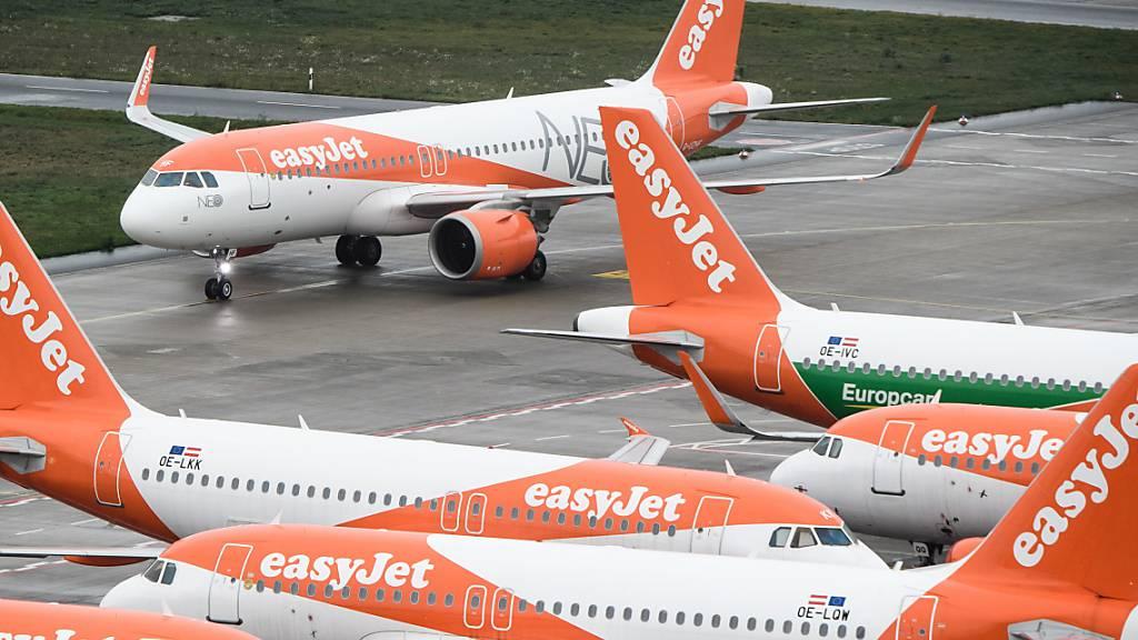 Über den Verkauf und das Zurückmieten von Flugzeugen kann sich Easyjet rund 170 Millionen Dollar besorgen. (Archivbild)