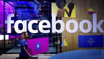 Patrik Müller: «Es würde vollauf genügen, wenn Facebook seine Hausaufgaben machen und beispielsweise Fake-Accounts stoppen würde, statt sich hochtrabend als Weltverbessererfirma zu inszenieren.» (Archivbild)