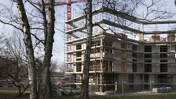 """Der Nationalrat stockt die Mittel für den gemeinnützigen Wohnungsbau auf. Die Initiative """"Mehr bezahlbare Wohnungen"""" des Mieterverbands lehnt er aber ab. (Themenbild)"""