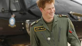 Prinz Harry kann die Uniform ablegen. Er hat seine Armeezeit beendet. Nun will er für drei Monate nach Afrika.