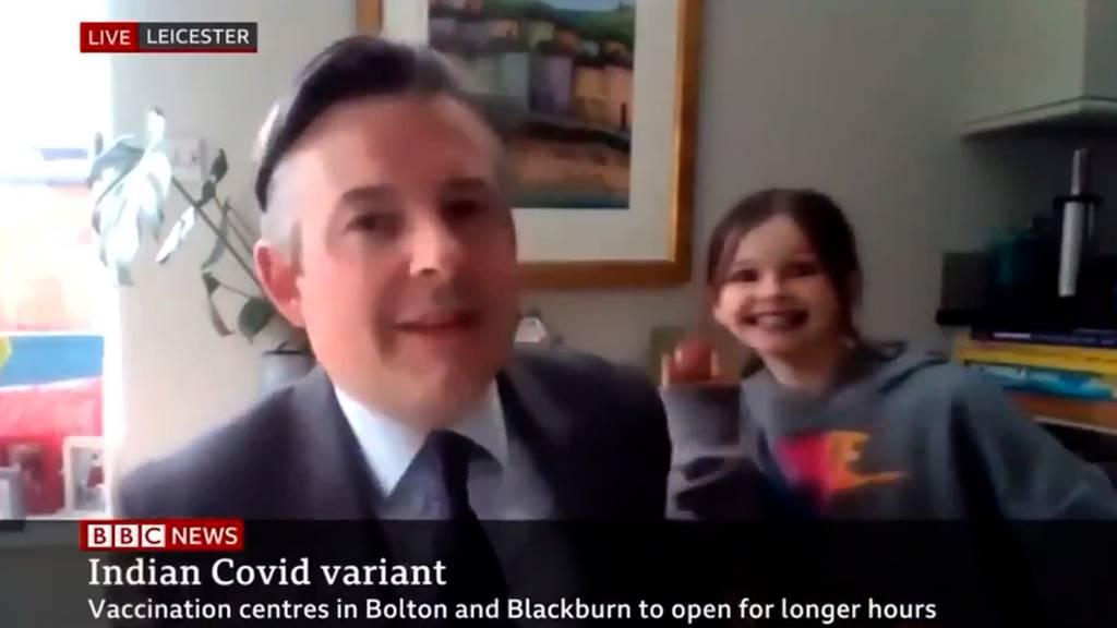Tochter crasht Live-Interview auf BBC – Moderator reagiert souverän