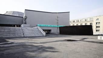 Die Körperverletzung fand auf der Treppe vor dem Theater Basel statt. (Archiv)