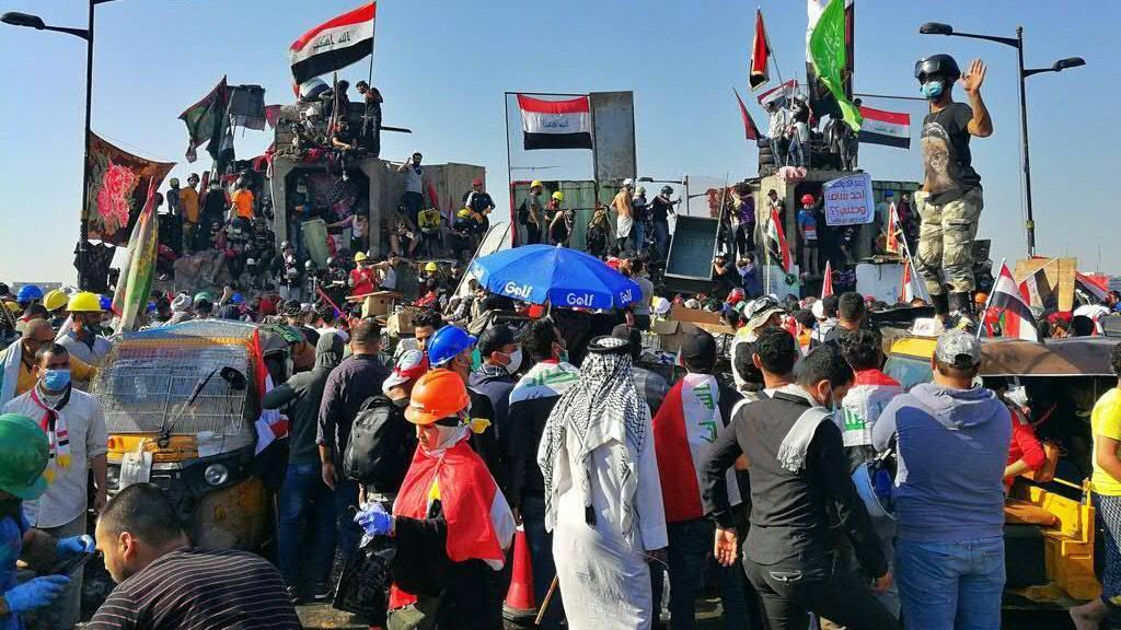 Auf den Strassen Bagdads demonstrieren erneut Tausende Iraker gegen die politische Elite des Landes.