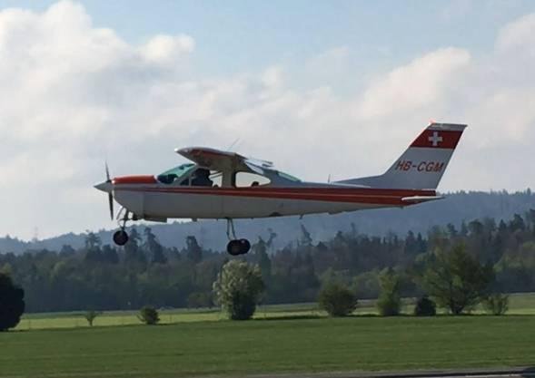 Flugplatz Birrfeld: Cessna konnte nicht mehr ordnungsgemäss landen.
