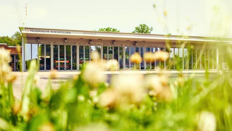 Die Stadt Rheinfelden stellt das Dach des Feuerwehrmagazins für die Solaranlage zur Verfügung. ZVG
