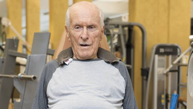 Jack Seiler hält seine Oberschenkelmuskulatur in Form.