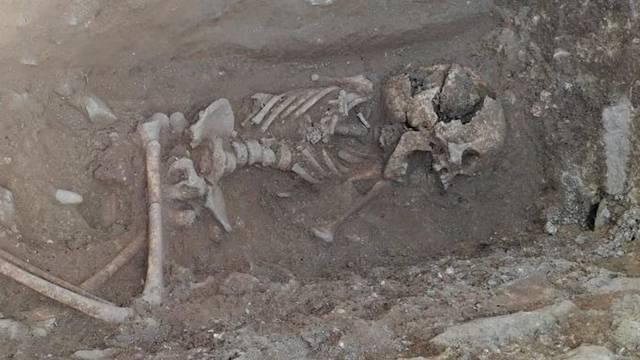 «Vampir-Kind» in Italien ausgegraben