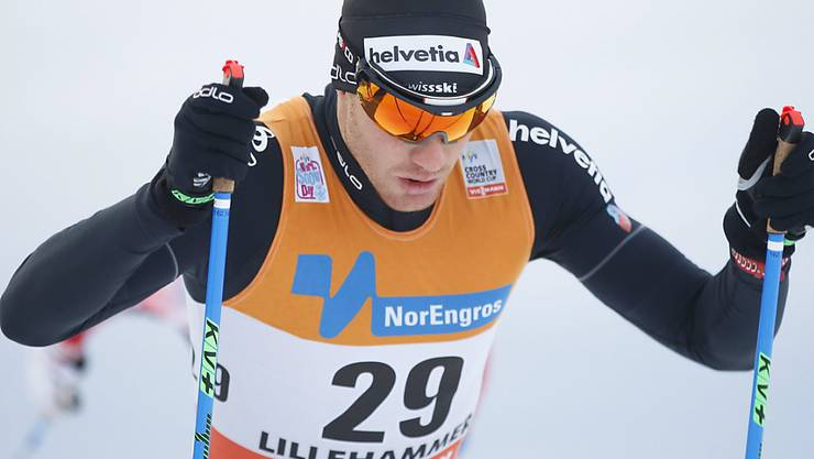 Dario Cologna müht sich in den Loipen von Lillehammer ab