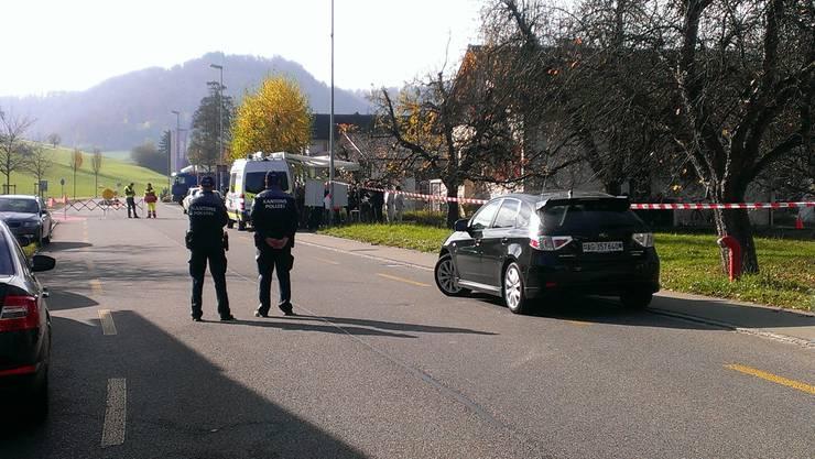 Die Polizei verhaftete den Ehemann am Tatort. Er steht unter dringendem Tatverdacht.