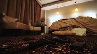 Das neue Album von Eminem «Music To Be Murdered By» schlägt Wellen. Ein Musik-Video erregt besondere Aufmerksamkeit: «Darkness». Darin kritisiert der Rapper die Waffengesetze in den USA.