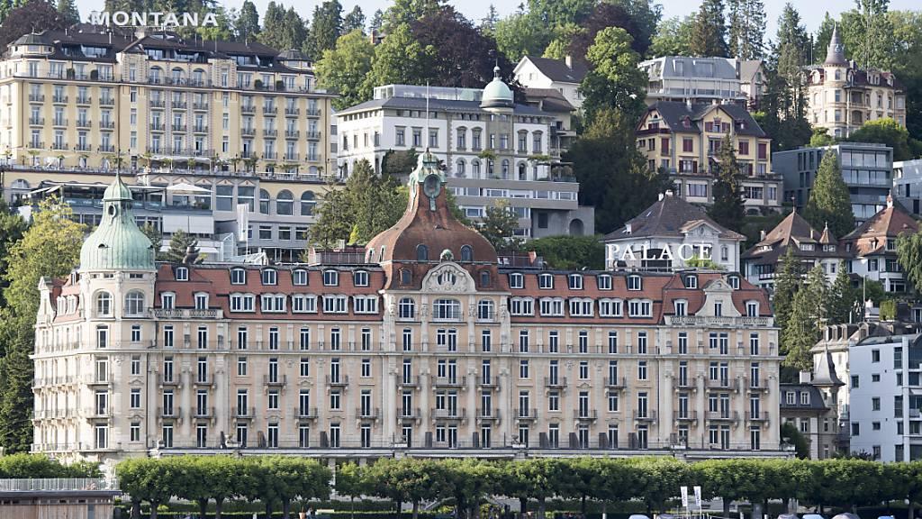 Die Restaurierung des Hotels Palace in der Stadt Luzern wird mit Steuergeldern unterstützt. (Archivbild)