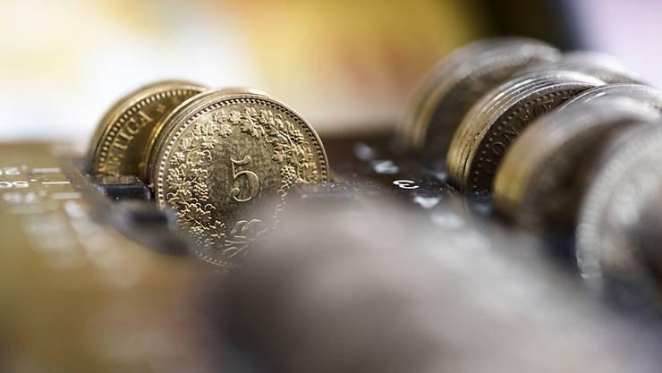 Sparer haben bei der UBS das Nachsehen: Die Grossbank senkt den Zins auf Sparkonten per 1. Juni auf 0,00 Prozent. (Symbolbild)