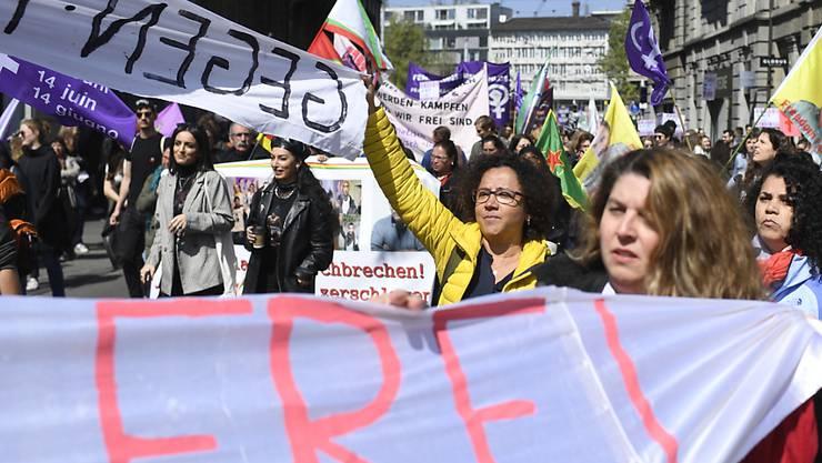 Statt Demo-Umzug soll es in diesem Jahr Lärm am Fenster geben. Im Bild der Zürcher Demonstrationszug vom vergangenen Jahr.