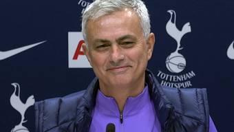 Ungewohnt selbstkritisch: José Mourinho lanciert an seiner ersten Pressekonferenz als Tottenham-Trainer eine Charme-Offensive