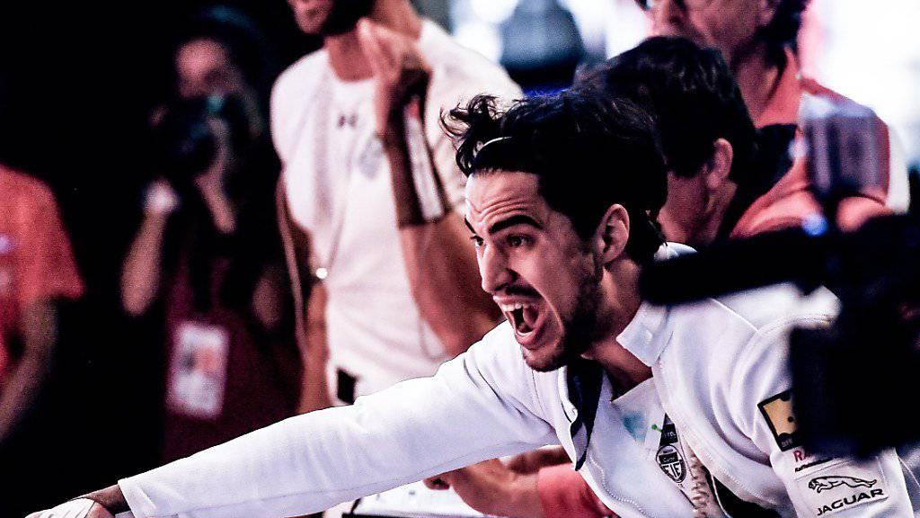 Der Schweizer Degen-Teamleader Max Heinzer zeigt den Weg zum Erfolg an