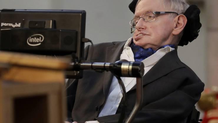 Stephen Hawking warnt davor, dass Katastrophen wie Klimawandel oder Asteroideneinschläge die Erde unbewohnbar machen könnten. (Archiv)
